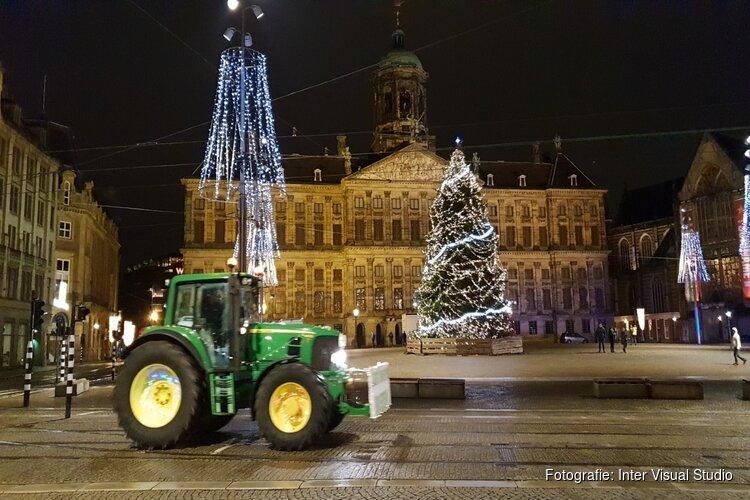 Eerste tractoren rijden Amsterdam binnen voor boerenprotest op de Dam