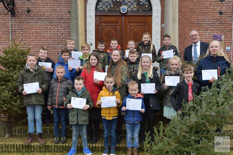 Prijsuitreiking kerstbomenactie Noardeast-Fryslân